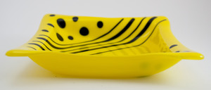 Thumb yellow dish with black dots stripes 1