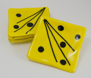 Thumb yellow with black dots coasters 1